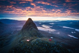 assynt-suilven-sunrise-summit-camp-hilleberg-soulo-1